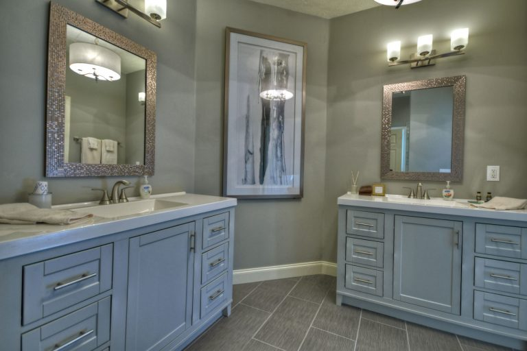 Spa bathroom1