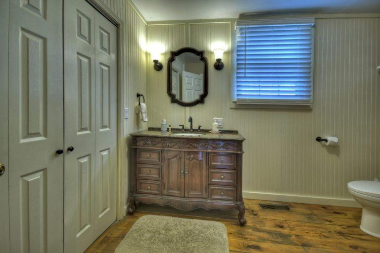 rose bathroom1